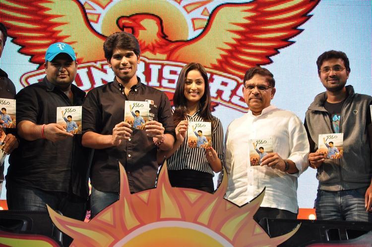 S. Thaman,Sirish,Yami Gautam And Aravind With CDs At Gouravam Audio Launch