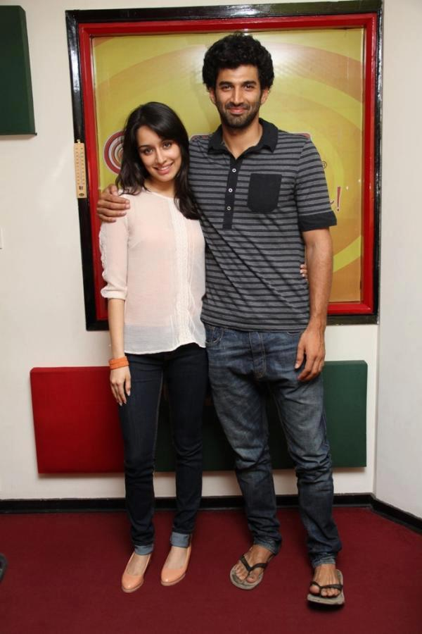 Aditya And Shraddha At 98.3 FM For Promoting Aashiqui 2