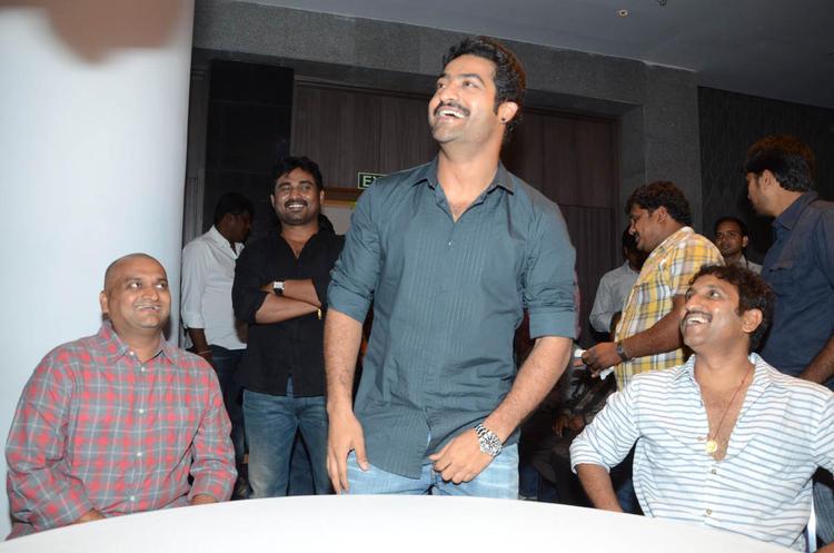 Bandla Ganesh,Jr.NTR And Srinu Smiling Photo Clicked At Baadshah Movie Success Meet