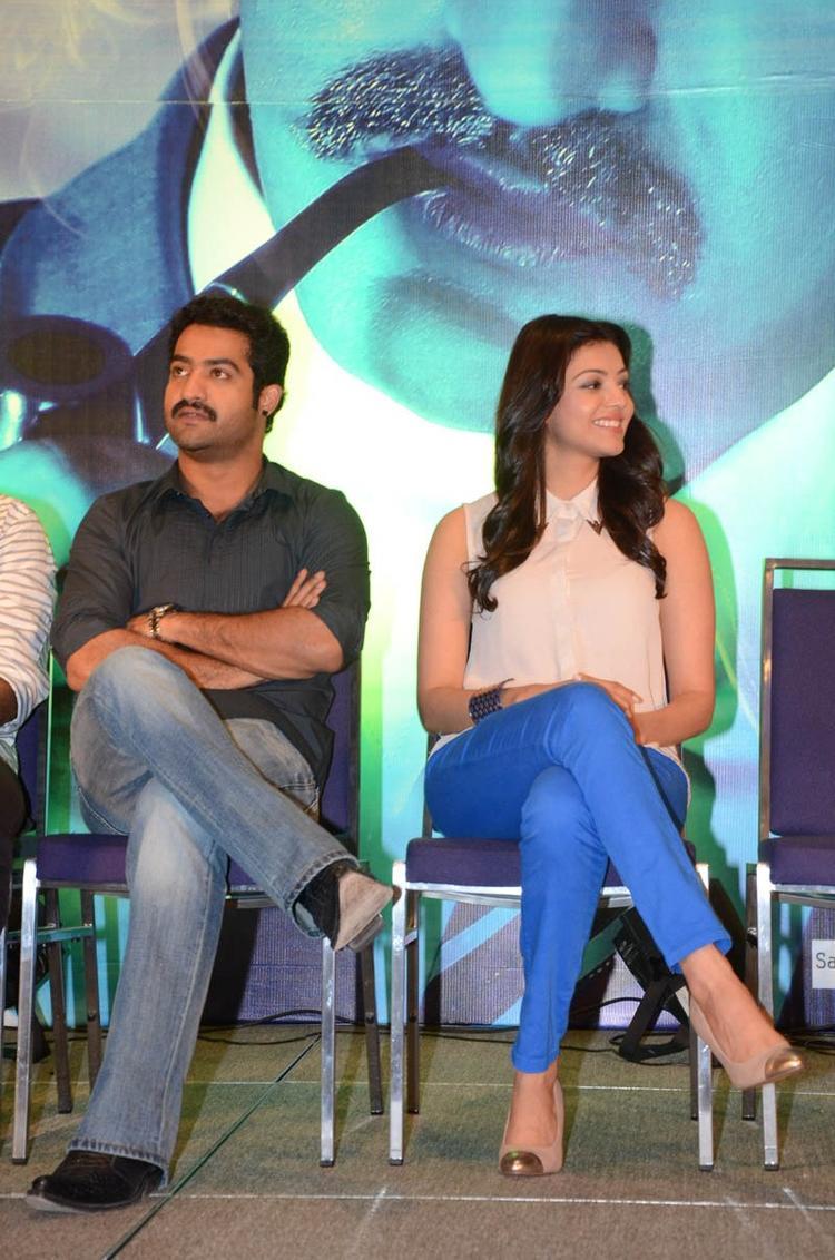 Jr.NTR And Kajal Cute Look At Baadshah Movie Success Meet