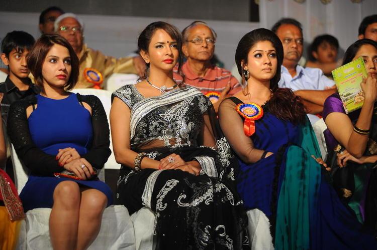 Lakshmi And Nayanthara Present At Nandi Film Awards 2011 Function