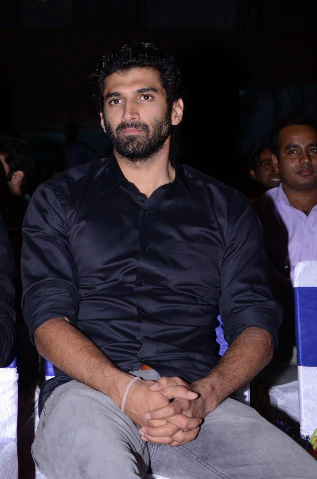 Aditya Roy Kapur Dazzling Look During The Aashiqui 2 Movie Music Launch Event