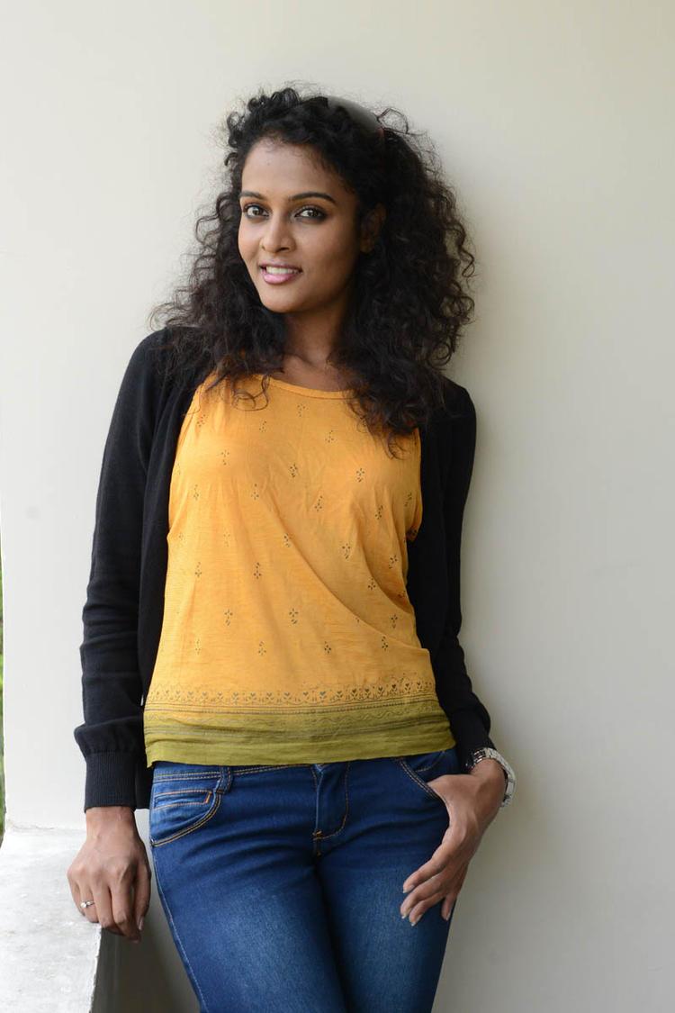 Sonia Deepti Trendy Look In Jeans At Mr.Manmadha Platinum Disc Function