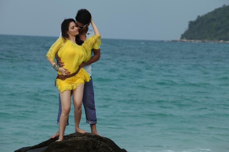 Tamannaah Bhatia And Naga Chaitanya Romantic Still From Thadaka Movie