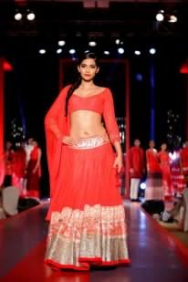 Sonam Show Stopper For Manish Malhotra At Colgate Visible White Launch Event