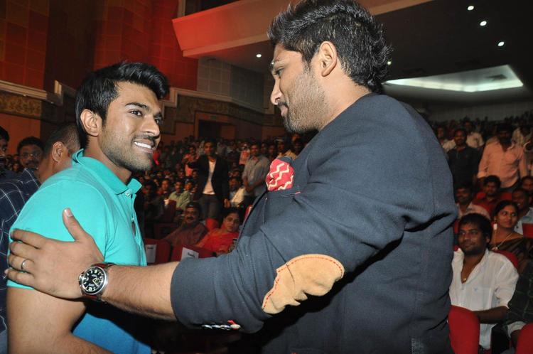 Ram Charan And Allu Cool Smiling Look At Iddarammayilatho Audio Launch Function