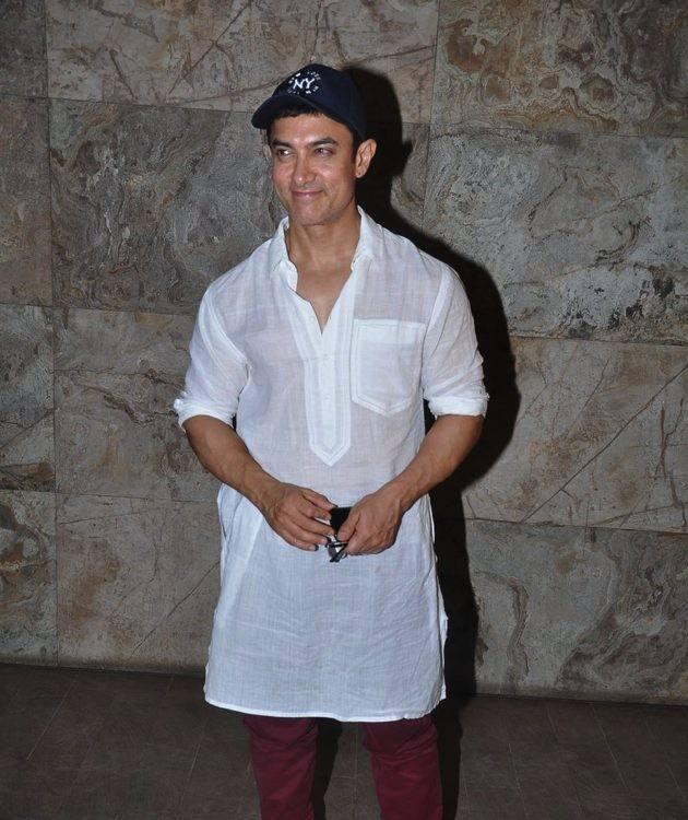 Aamir Khan Sweet Smile Pic At Screening Of The Hollywood Movie Star Trek-Into Darkness