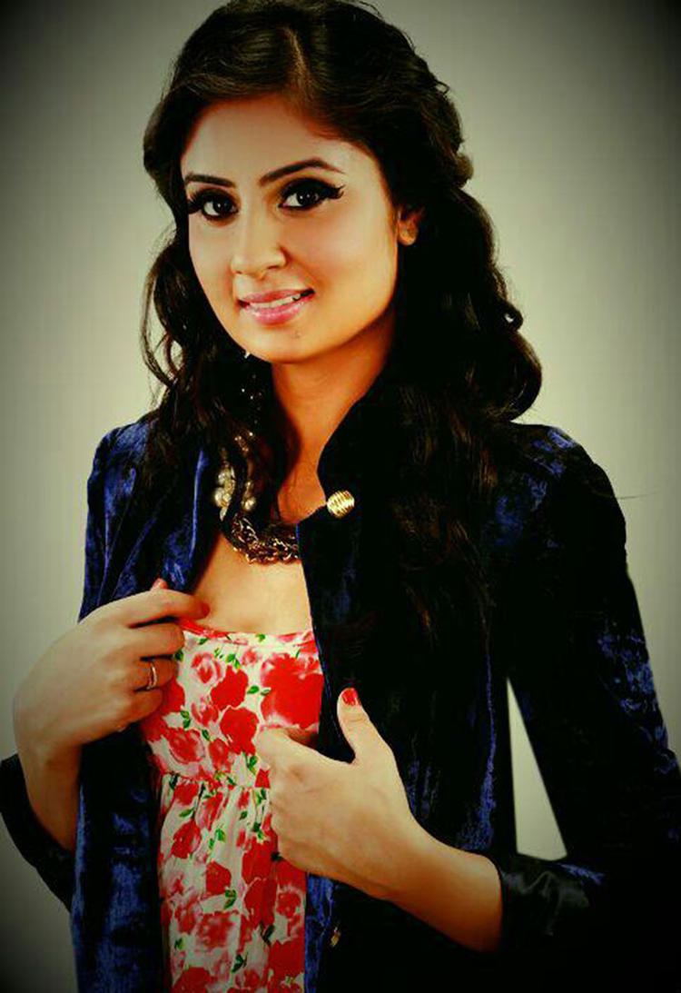 Bhanu Sri Mehra Sweet Cute Face Look Still