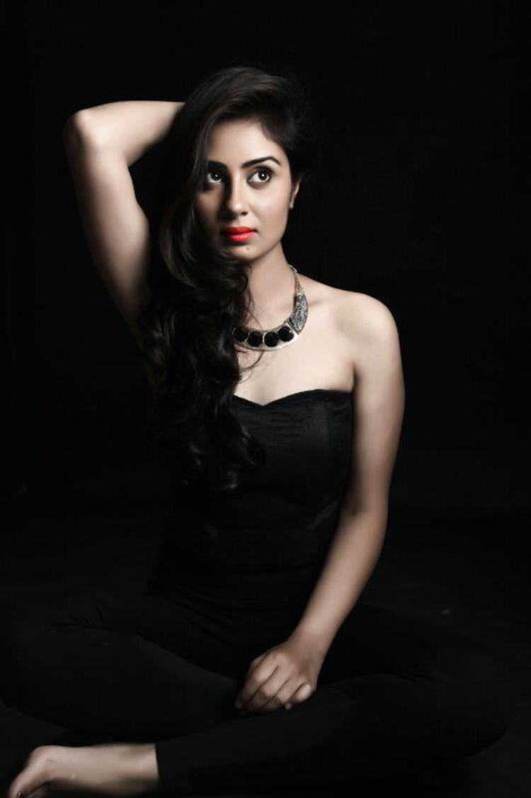 Hot South Actress Bhanu Sri Mehra Gorgeous Hot Photo Shoot