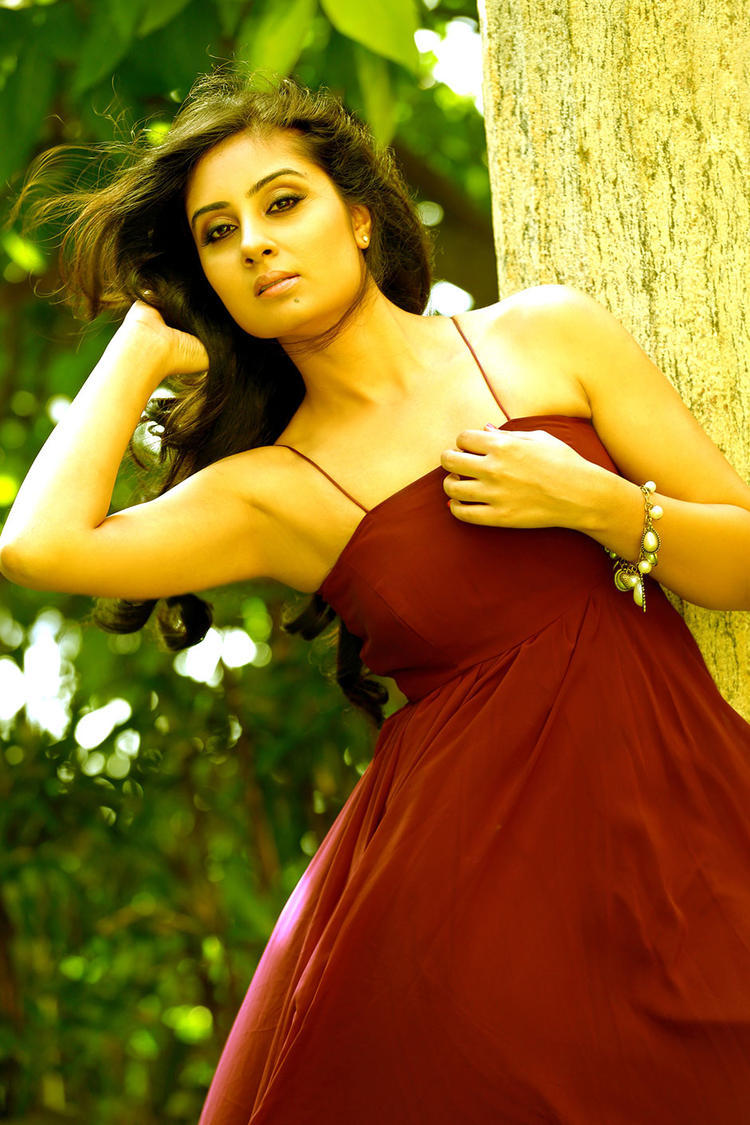 Tamil Actress Bhanu Mehra Latest Hot Photo Shoot Still