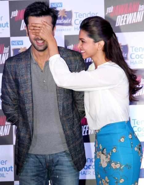 Ranbir And Deepika Cool At The Promotion Of YJHD At Parachute Press Conference