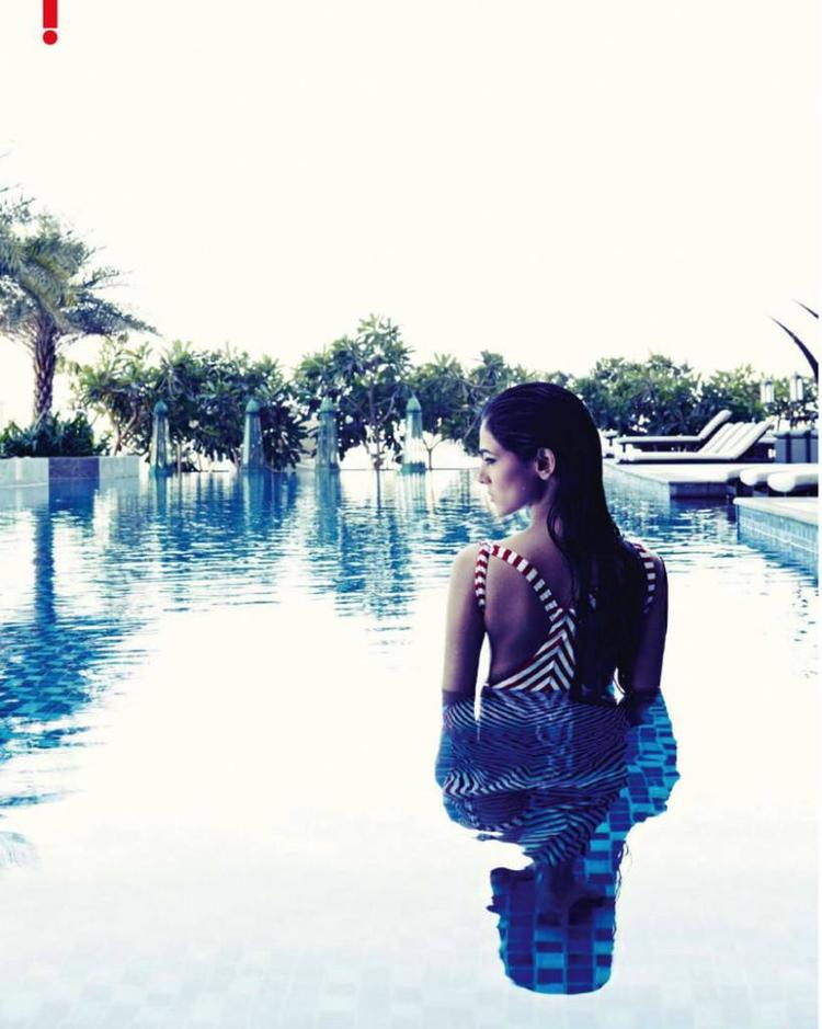 Sonal Chauhan Wet Sexy Look In Water Photo Shoot For Hello! India Magazine June 2013