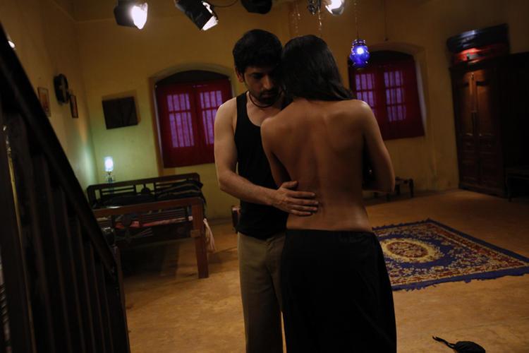 Veena Malik And Rajan Latest Hot Sexy Nude Pic In New Movie Rangeela