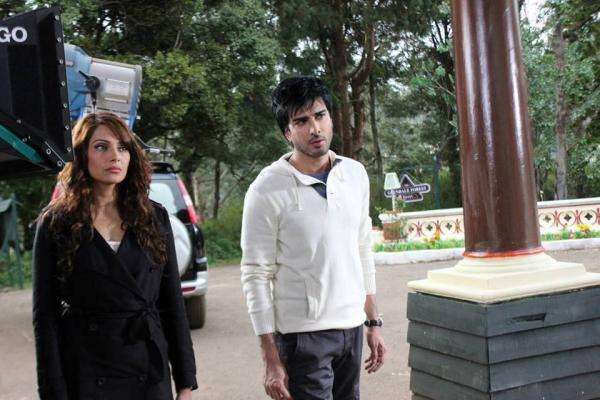 Bipasha And Imran Abbas Shoots On The Sets Of Creature
