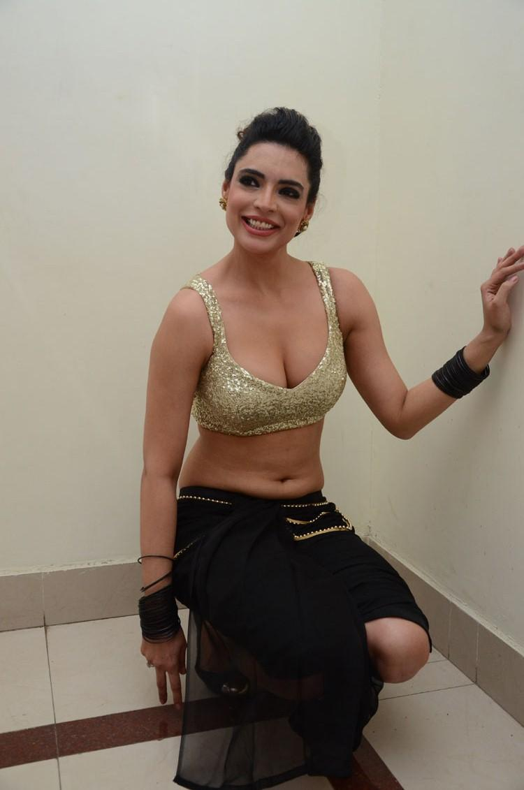 Shweta Bhardwaj Smiling Look Hot Pose At Adda Movie Audio Release Function