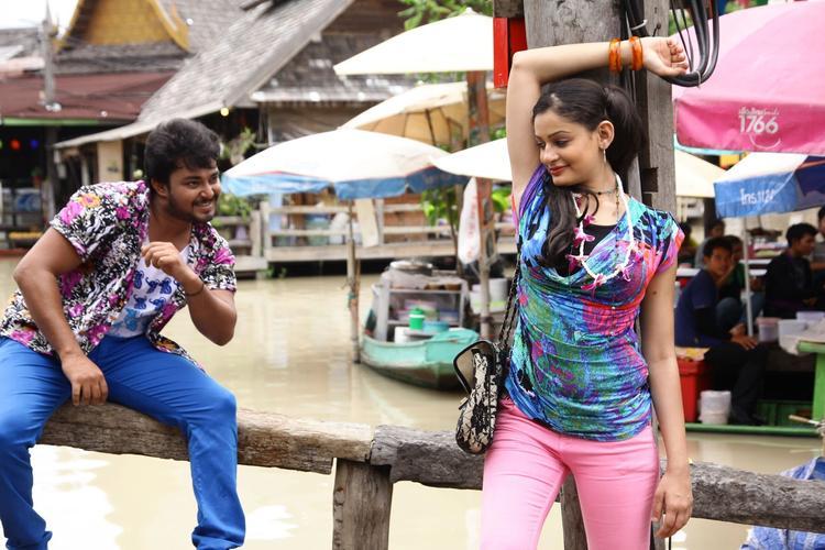 Tanish And Rupal Band Baaja Movie Song Still
