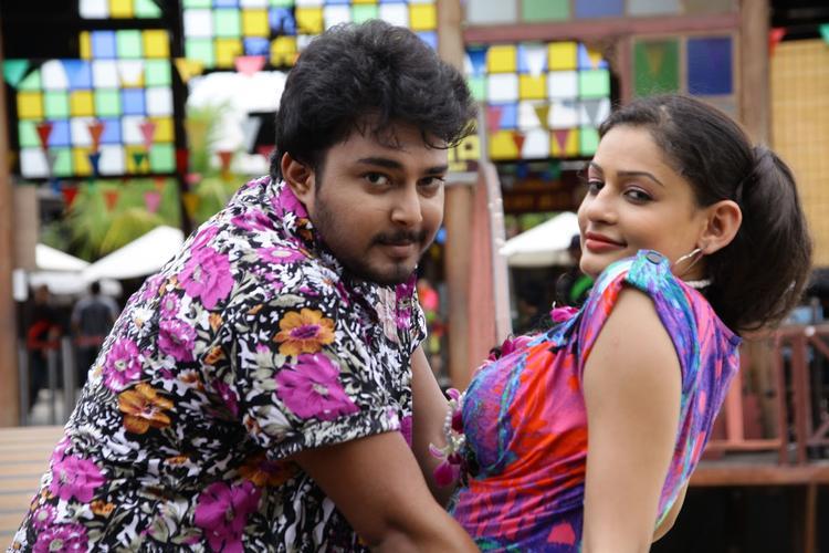 Tanish And Rupal Sexy Still In Band Baaja Movie