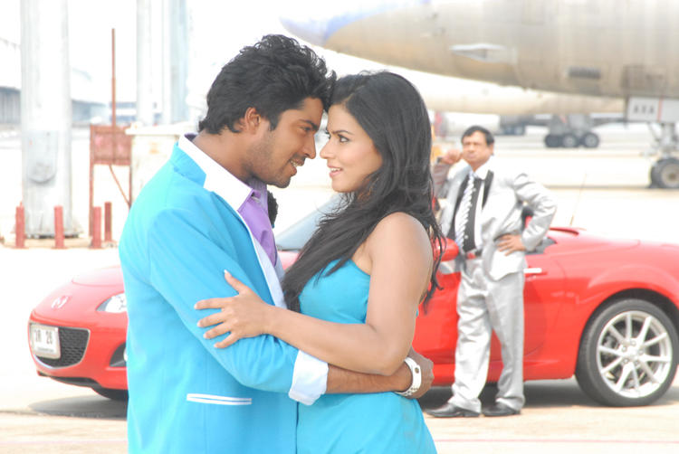 Allari And Sharmila Hot Sizzling Pic From The Movie Kevvu Keka