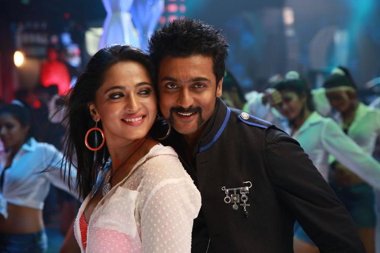 Anushka And Suriya Dance Still From Singam II Movie