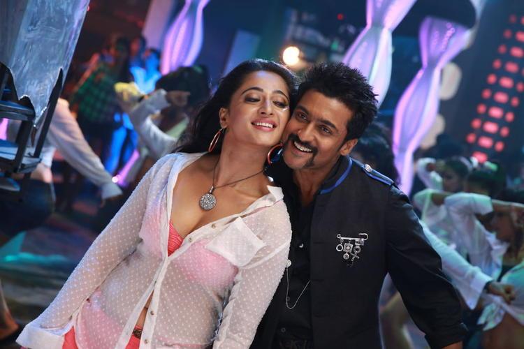 Anushka And Suriya Hot Dance Still From Singam II Movie