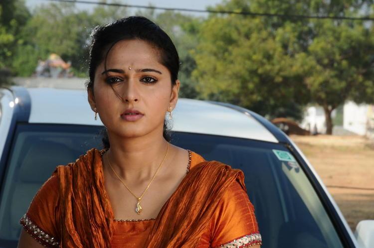 Anushka Shetty Dazzling Nice Face Look Still From Singam II Movie