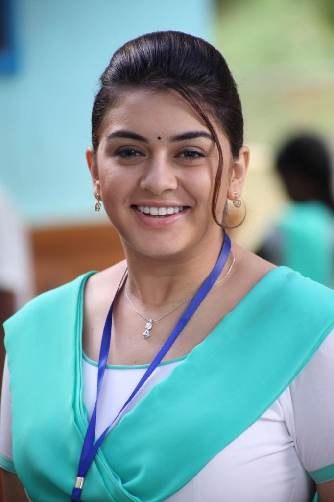 Smiling Hansika Motwani Dazzling Look Still From Singam II Movie