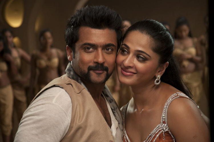 Suriya And Anushka Song Still From Singam II Movie