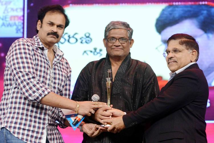 Nagababu,Thanikella Bharani,Allu Arvind At Cine Maa Awards 2013