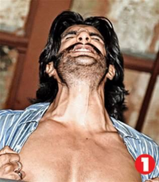 Ranveer Singh Hot And Sexy Body Show Danced At The Park Hotel In Kolkata