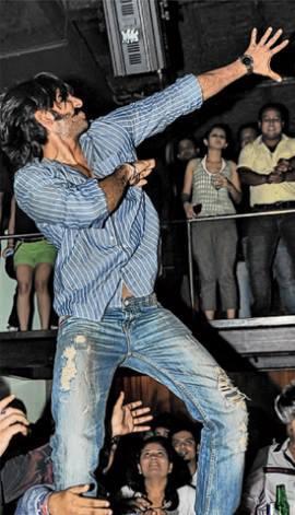 Ranveer Singh Rocking Hot At The Park Hotel In Kolkata