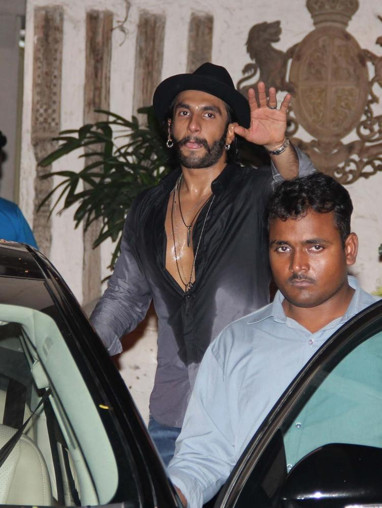 Ranveer Singh Snapped At Arjun Kapoor's Birthday Bash