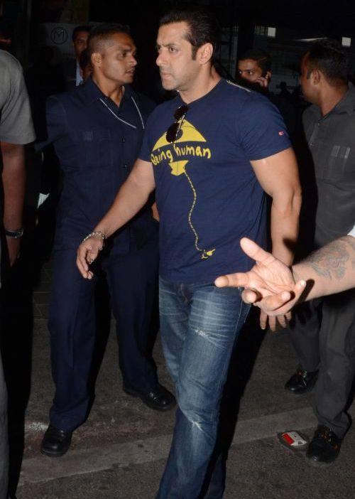 Salman Khan Arrives At Shamshabad Airport For Mental Shooting