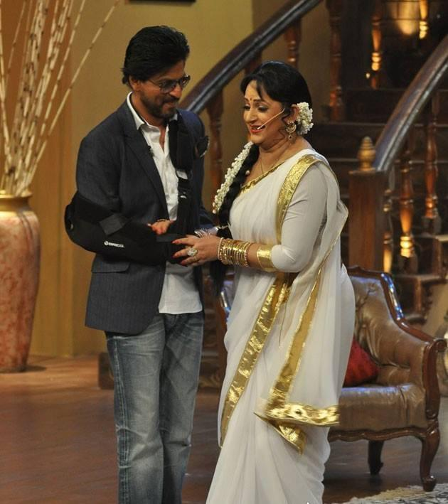 SRK And Upasana Cool On The Sets Of Comedy Nights With Kapil