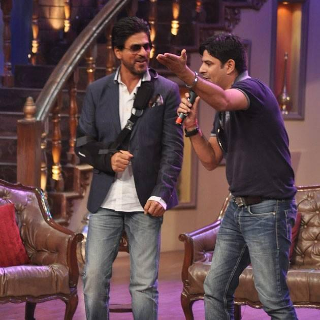 SRK Graced During The Promotion Of Chennai Express On The Sets Of Comedy Nights With Kapil