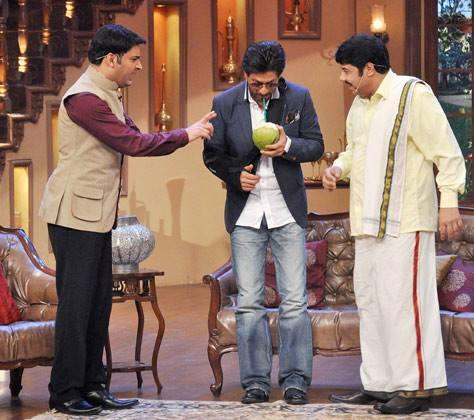 SRK Sips On Coconut Water On The Sets Of Comedy Nights With Kapil