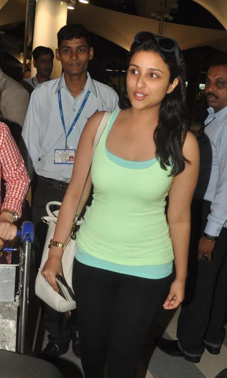 Parineeti Chopra Snapped At Mumbai Airport While Arrives From IIFA Awards 2013