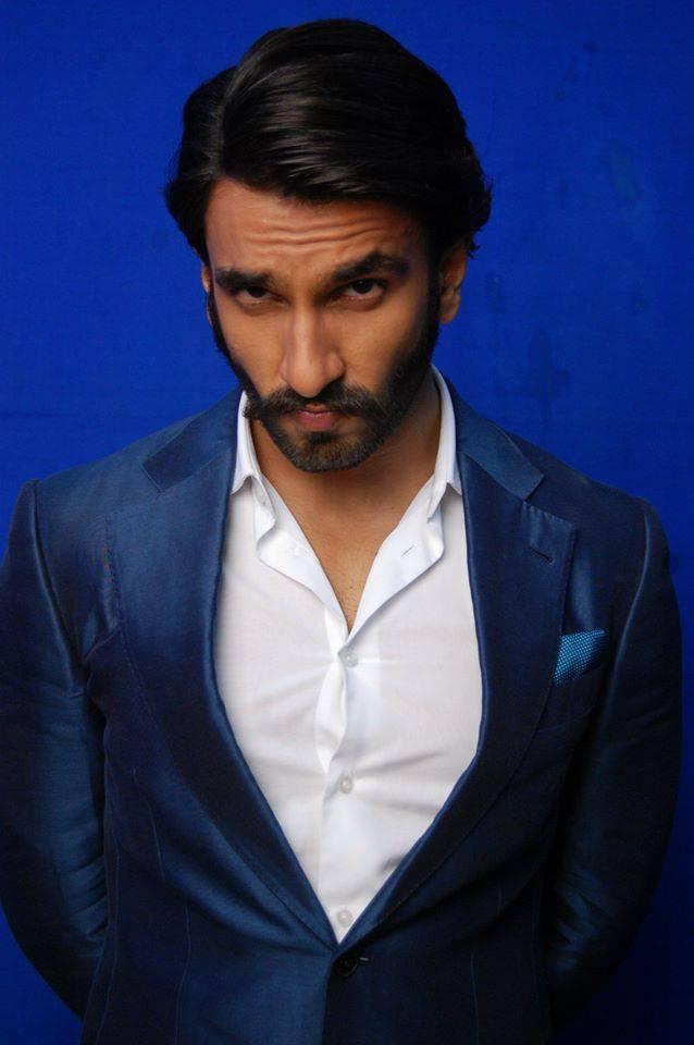 Ranveer Singh Hot Eyes Look On Behind The Scenes At Comedy Night With Kapil Show