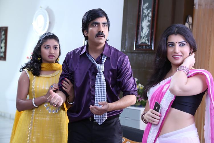 Archana And Ravi Teja A Cute Fun Still From The Movie Balupu