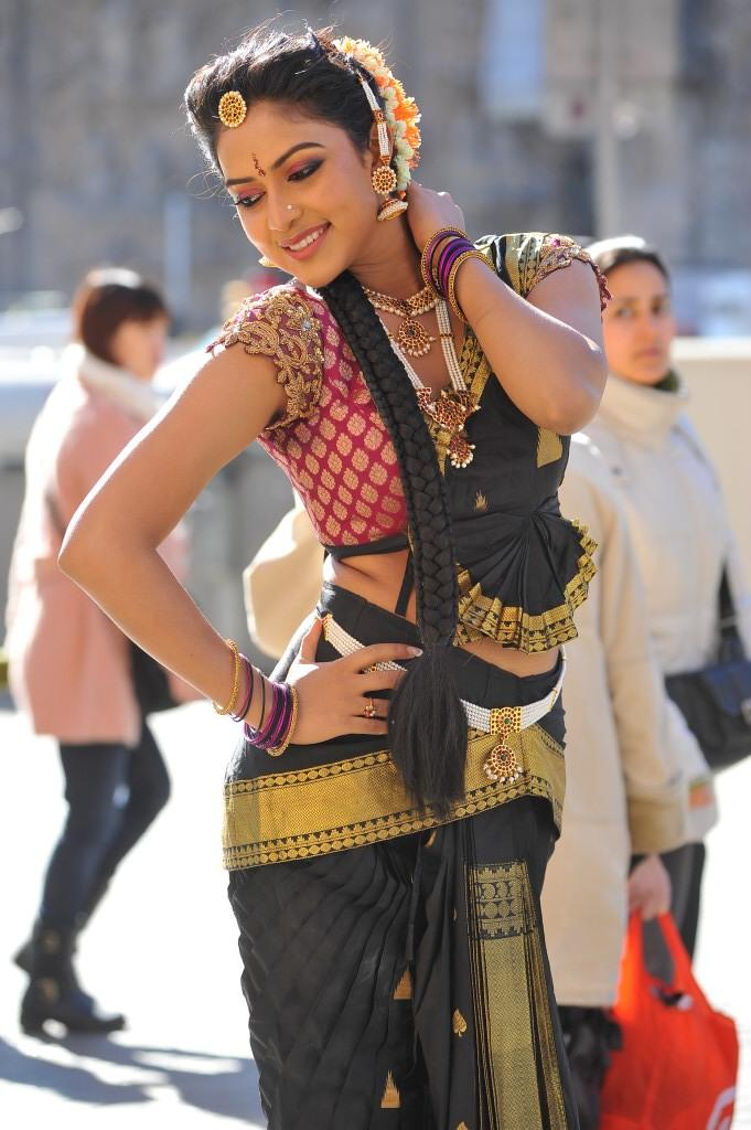 Amala Paul Traditional Dancing Pictures At Iddarammayilatho