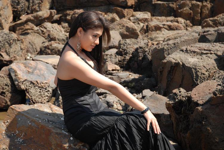 Nayanthara In Black Dress Stunning Look Photo Still