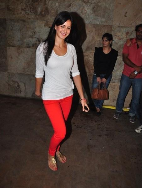 Birthday Girl Katrina Kaif Attended The Screening Of Ship Of Theseus At Aamir And Kirans Home