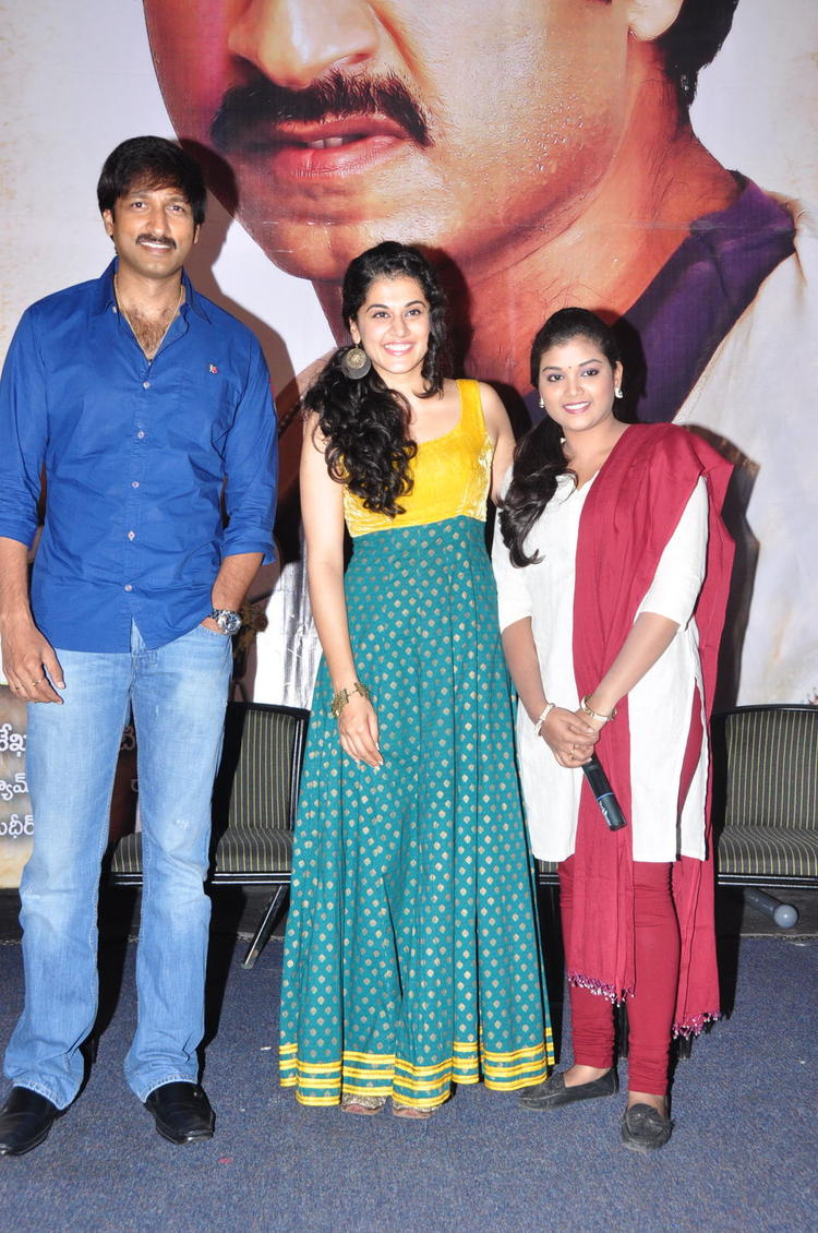 Gopichand And Tapasee Pose For Camera At Sahasam Show For School Students