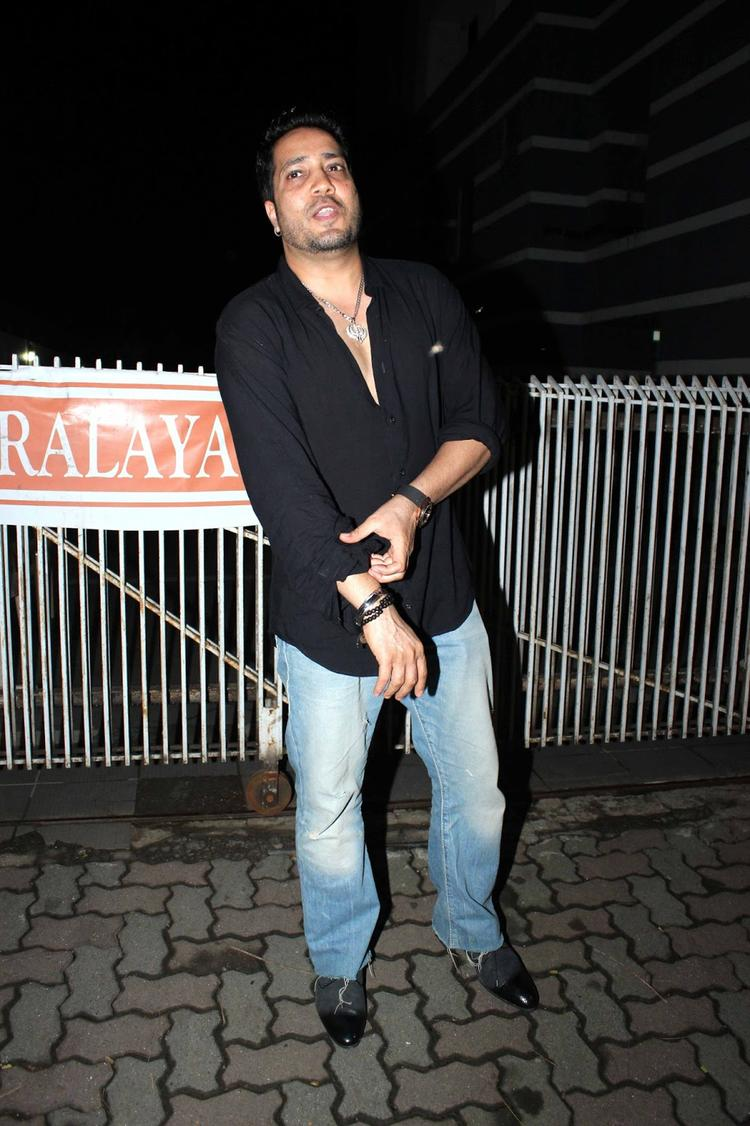 Mika Singh Spotted To Attend Sanjay's Birthday Bash