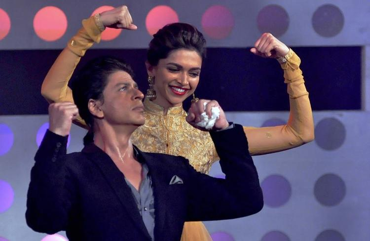 SRK And Deepika Cool Danced During The Promotion Of Chennai Express On The Sets Of Madhubala Ek Ishq Ek Junoon