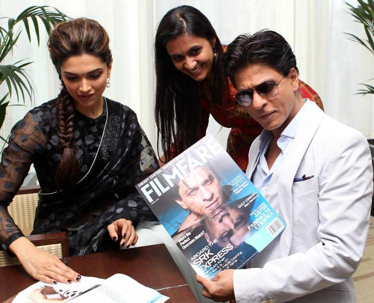 Deepika And SRK Glamour And Stylish Look Still