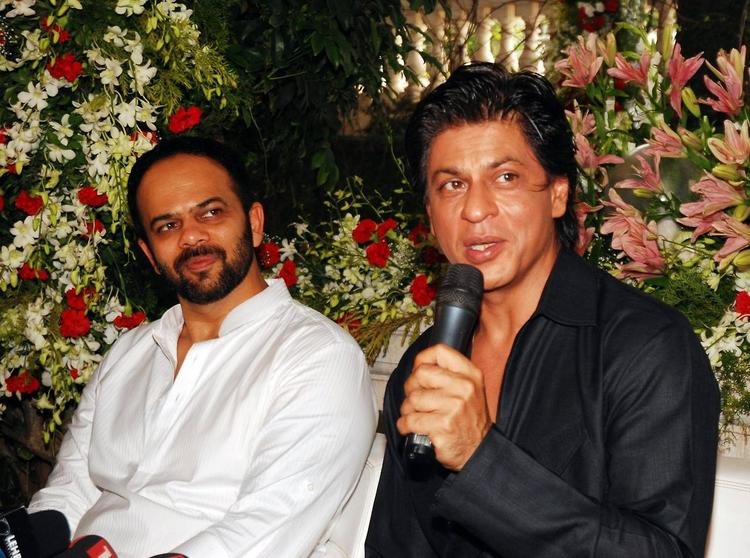 Rohit And SRK Talking To Media About Chennai Express During The Celebration Of Eid At SRK's Bungalow Mannat