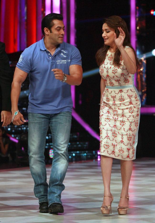 Salman And Madhuri Danced On The Sets Of Jhalak Dikhhla Jaa 6