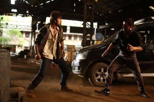 Ranbir Kapoor Action Still In Besharam Movie
