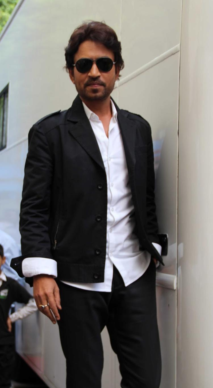 Irrfan Khan Spotted On The Sets Of Jhalak Dikhhla Jaa Season 6 To Promote Movie Lunch Box