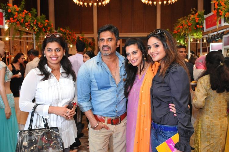 Mana And Sunil  With Madhoo Pose For Camera Araaish Fashion Exhibition